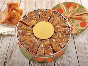 1 lb Pineapple Macadamia Nut Cake in gift box