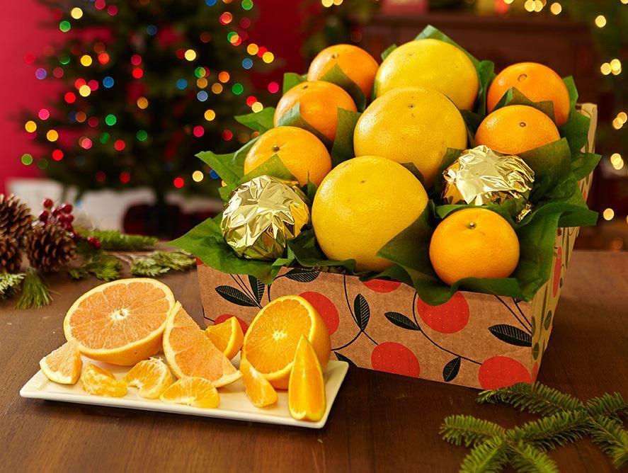 Holiday Pelican - with Holiday Mandarins