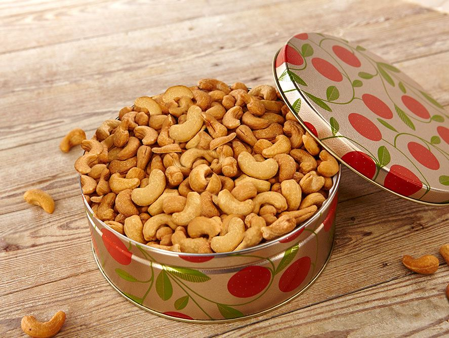 Jumbo Deluxe Cashews, 32 Oz Tin