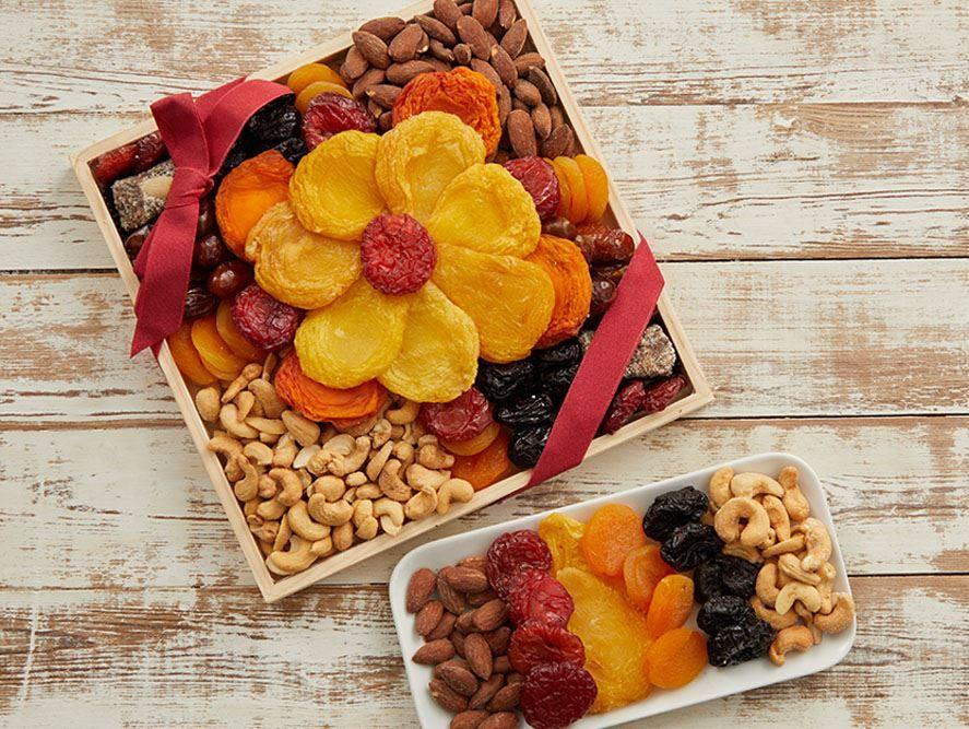 Flower Dried Fruit & Roasted Nut Tray